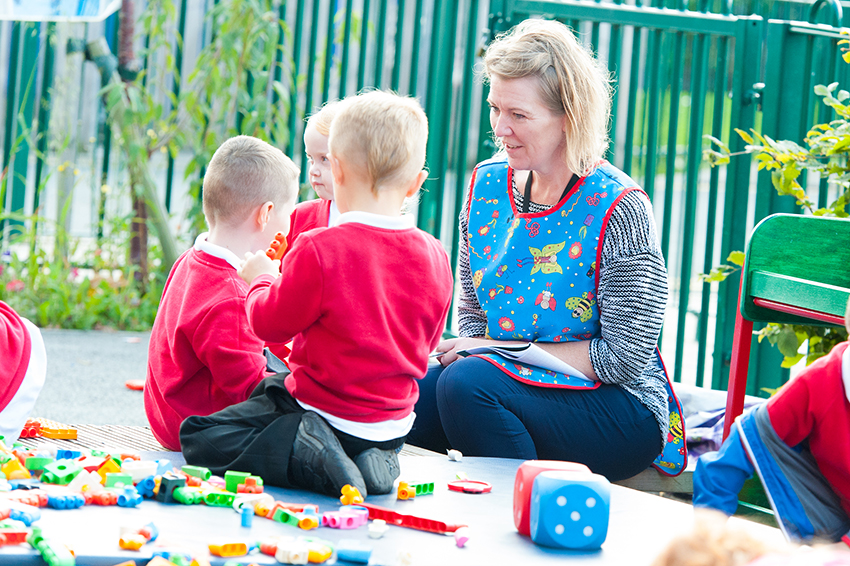 play learning pupils and teacher