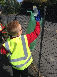 JLT litter pick school (1)