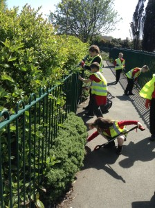 JLT litter pick school (12)